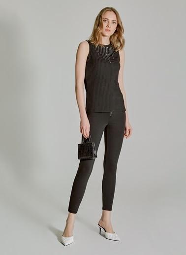 People By Fabrika Taş Detaylı Bluz Siyah